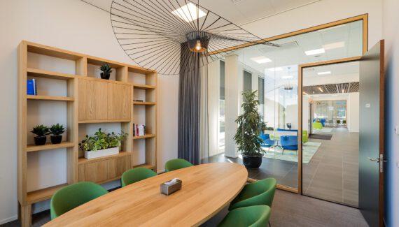 Amsterdam PC Uitvaart Westgaarde WoodFrame Glaswanden Glazen Systeemwand Intermontage