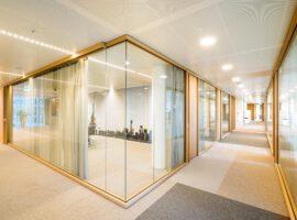 Amsterdam Trade AT Bank WTC Zuidas Intermontage Woodframe glazen wanden