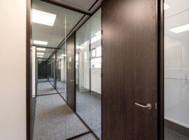 Apeldoorn CES Nederland Kantoorinrichting Glaswanden Kantoor Plafond Intermontage