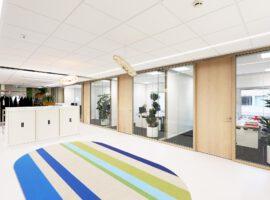 Arnhem Paleis van Justitie Woodframe Glaswand Plafondeiland Intermontage